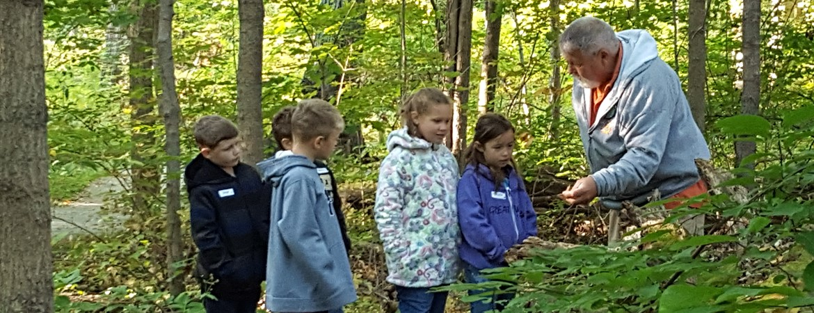 JFK Second Graders Exploring Nature