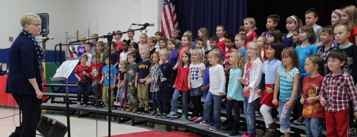 Veteran's Day Program 2016 at Oakview Elementary School